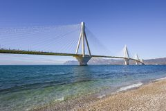 Πανοραμική άποψη της γέφυρας αναστολής Ρίο - Antirio κοντά σε Patra, Ελλάδα στοκ φωτογραφίες