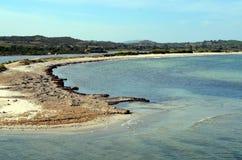 Πανοραμική άποψη της θάλασσας παραλιών και κρυστάλλου της Σαρδηνίας Στοκ Εικόνες