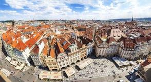 Πανοραμική άποψη της παλαιάς πόλης στην Πράγα Στοκ Εικόνες