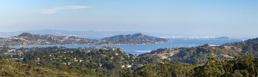 Πανοραμική άποψη της περιοχής κόλπων του Σαν Φρανσίσκο που βλέπει από ένα overlo Στοκ Εικόνες