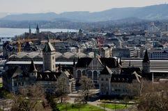 Πανοραμική άποψη της πλούσιος-πόλης ZÃ ¼ με το Εθνικό Μουσείο στοκ φωτογραφία