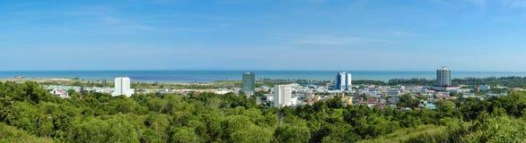 Πανοραμική άποψη της πόλης της Miri, μια παραλιακή πόλη βόρεια της κατάστασης Sarawak, Μπόρνεο στοκ εικόνα με δικαίωμα ελεύθερης χρήσης