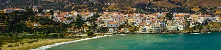 Πανοραμική άποψη της πόλης Άνδρου, Άνδρος, Ελλάδα στοκ εικόνα με δικαίωμα ελεύθερης χρήσης