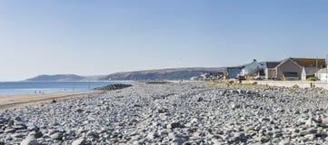Πανοραμική άποψη της φυσικής παραλίας στην Ουαλία, UK στοκ εικόνες