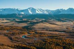 Πανοραμική άποψη της altai-Chuya κορυφογραμμής, βουνά Altai Στοκ Εικόνα