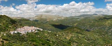 Πανοραμική άποψη του άσπρου χωριού Pueblos Blancos, Μάλαγα, Andal Στοκ Εικόνα