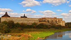 Πανοραμική άποψη του αρχαίου κάστρου Medzhybizh Φρούριο που χτίζεται ως πρόχωμα ενάντια στην οθωμανική επέκταση στο 1540s Medzhyb στοκ εικόνα με δικαίωμα ελεύθερης χρήσης