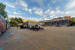 Πανοραμική άποψη του αστικού τετραγώνου στη Βαρκελώνη Στοκ φωτογραφία με δικαίωμα ελεύθερης χρήσης