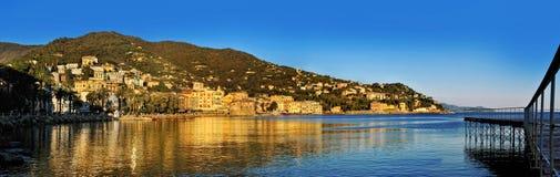 Πανοραμική άποψη του θερέτρου Rapallo στο ιταλικό Riviera Στοκ φωτογραφία με δικαίωμα ελεύθερης χρήσης