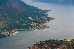 Πανοραμική άποψη του κόλπου Kotor στο καλοκαίρι Μαυροβούνιο Στοκ φωτογραφία με δικαίωμα ελεύθερης χρήσης