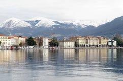 Πανοραμική άποψη του Λουγκάνο, Ελβετία, με ελκυστικό Apls Στοκ Εικόνα