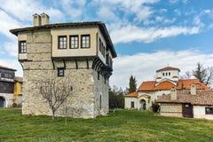 Πανοραμική άποψη του μοναστηριού Arapovo Αγίου Nedelya και πύργος του αγγέλου Voivode, Βουλγαρία Στοκ Φωτογραφία
