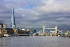 Πανοραμική άποψη του ποταμού του Τάμεση Λονδίνο, Αγγλία Στοκ εικόνες με δικαίωμα ελεύθερης χρήσης