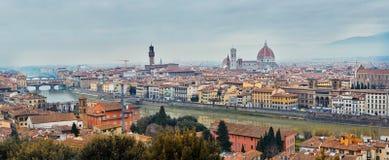 Πανοραμική άποψη του ποταμού Arno στοκ φωτογραφίες με δικαίωμα ελεύθερης χρήσης