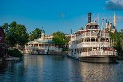 Πανοραμική άποψη του τετραγωνικού ποταμοπλοίου ελευθερίας στο μαγικό βασίλειο στον κόσμο Walt Disney στοκ εικόνα με δικαίωμα ελεύθερης χρήσης