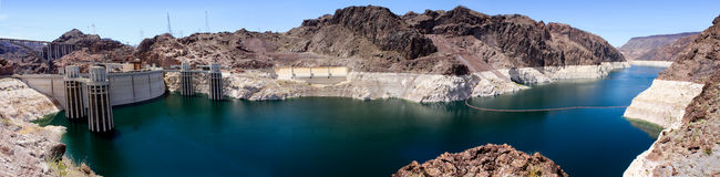 Πανοραμική άποψη του υδρομελιού λιμνών στο φράγμα Hoover Στοκ φωτογραφία με δικαίωμα ελεύθερης χρήσης