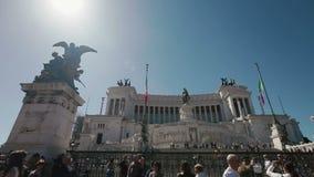 Πανοραμική άποψη του della Patria Altare - μνημείο σε Vittorio Emanuele ΙΙ στη Ρώμη, Ιταλία στην ηλιόλουστη θερινή ημέρα απόθεμα βίντεο