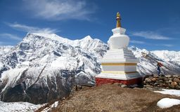 Πανοραμική άποψη του stupa και της σειράς Annapurna Στοκ εικόνες με δικαίωμα ελεύθερης χρήσης