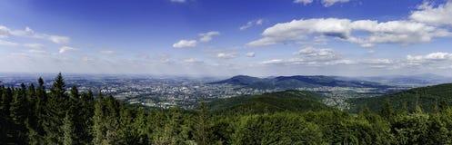 Πανοραμική άποψη των βουνών Beskidy στη νότια Πολωνία Στοκ εικόνα με δικαίωμα ελεύθερης χρήσης