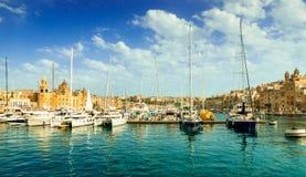 Πανοραμική άποψη των γιοτ στο λιμάνι Valletta στοκ εικόνα με δικαίωμα ελεύθερης χρήσης