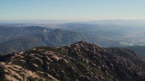 Πανοραμική άποψη των διάσημων βουνών του Μοντσερράτ, Καταλωνία, Ισπανία απόθεμα βίντεο