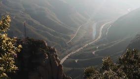 Πανοραμική άποψη των διάσημων βουνών του Μοντσερράτ, Καταλωνία, Ισπανία φιλμ μικρού μήκους