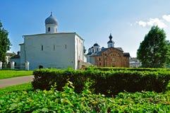 Πανοραμική άποψη των εκκλησιών στο προαύλιο Yaroslav σε Veliky Novgorod, Ρωσία Στοκ Φωτογραφία