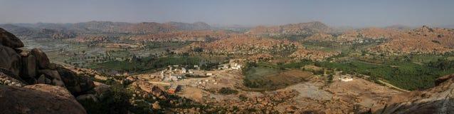 Πανοραμική άποψη των κοιλάδων Hampi ` s από το ναό Hanuman, Hill Anjanadri, Hampi, Karnataka, Ινδία Στοκ εικόνες με δικαίωμα ελεύθερης χρήσης
