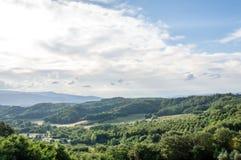 Πανοραμική άποψη των κυλώντας λόφων Chianti κατά τη διάρκεια του καλοκαιριού στοκ εικόνα με δικαίωμα ελεύθερης χρήσης