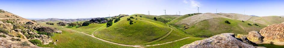 Πανοραμική άποψη των λόφων και των κοιλάδων στους λόφους της περιοχής κόλπων του ανατολικού Σαν Φρανσίσκο στοκ εικόνες