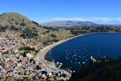 Πανοραμική άποψη Copacabana, Βολιβία στοκ εικόνα