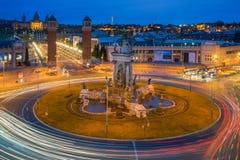 Πανοραμική άποψη Placa δ ` Espanya στη Βαρκελώνη τη νύχτα Αυτό το ολοκληρωμένο κύκλωμα Στοκ Φωτογραφίες