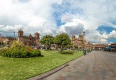 Πανοραμική άποψη Plaza de Armas με τον καθεδρικό ναό και Compania de Ιησούς Church - Cusco, Περού Στοκ φωτογραφία με δικαίωμα ελεύθερης χρήσης