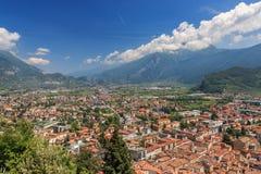 Πανοραμική άποψη Riva del Garda προς Arco, Ιταλία Στοκ εικόνες με δικαίωμα ελεύθερης χρήσης