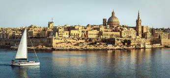 Πανοραμική άποψη Valletta πέρα από το ηλιοβασίλεμα στοκ φωτογραφία με δικαίωμα ελεύθερης χρήσης
