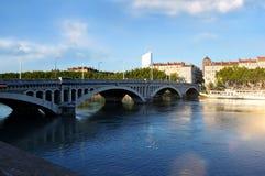 Πανοραμική γέφυρα Wilson άποψης στον ποταμό Ροδανός στη Λυών Γαλλία Στοκ Φωτογραφίες