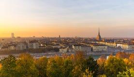 Πανοραμική εικονική παράσταση πόλης του Τορίνου άνωθεν στο ηλιοβασίλεμα Στοκ Εικόνες