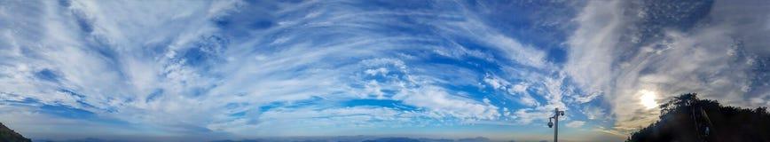 Πανοραμική εικόνα μπλε ουρανού της Νότιας Κορέας στοκ εικόνα