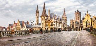 Πανοραμική εικόνα της μεσαιωνικής Γάνδης, Βέλγιο στοκ εικόνες