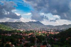 Πανοραμική εναέρια άποψη σε Cetinje, Μαυροβούνιο στοκ εικόνα με δικαίωμα ελεύθερης χρήσης