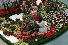 Πανοραμική θέα (χριστουγεννιάτικο δέντρο, χιονάνθρωπος) Στοκ Φωτογραφία