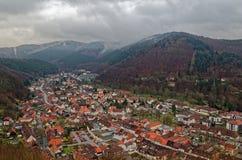 Πανοραμική κορυφή άποψης κάτω επάνω σε κακό Lauterberg στην περιοχή βουνών Harz, της Γερμανίας στοκ φωτογραφία με δικαίωμα ελεύθερης χρήσης