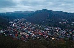 Πανοραμική κορυφή άποψης κάτω επάνω σε κακό Lauterberg το βράδυ, Harz, Γερμανία στοκ εικόνα με δικαίωμα ελεύθερης χρήσης