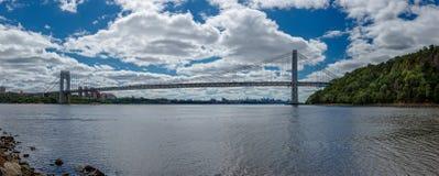 Πανοραμική φωτογραφία της γέφυρας του George Washington πέρα από τον ποταμό του Hudson Στοκ φωτογραφία με δικαίωμα ελεύθερης χρήσης