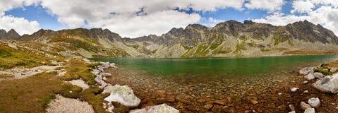 Πανοραμική φωτογραφία της κοιλάδας λιμνών Velke Hincovo Pleso στα βουνά Tatra, Σλοβακία, Ευρώπη Στοκ φωτογραφίες με δικαίωμα ελεύθερης χρήσης