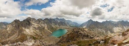 Πανοραμική φωτογραφία της κοιλάδας λιμνών Velke Hincovo Pleso στα βουνά Tatra, Σλοβακία, Ευρώπη Στοκ Φωτογραφία