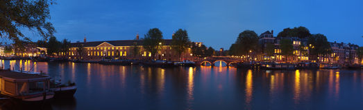 Πανοραμική όψη πόλεων νύχτας του Άμστερνταμ Στοκ φωτογραφίες με δικαίωμα ελεύθερης χρήσης