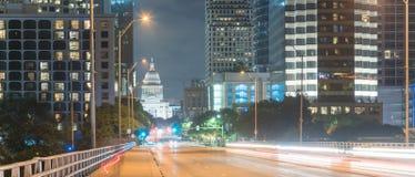 Πανοραμικοί σύγχρονοι ορίζοντες του Ώστιν και κτήριο κρατικού capitol στο ν στοκ φωτογραφία με δικαίωμα ελεύθερης χρήσης