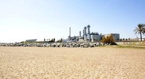 Πανοραμικός σταθμός παραγωγής ηλεκτρικού ρεύματος με το υπόβαθρο Στοκ εικόνα με δικαίωμα ελεύθερης χρήσης