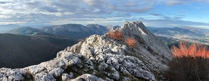 Πανοραμικός της σειράς βουνών urkiola. Βασκική χώρα Στοκ Φωτογραφία